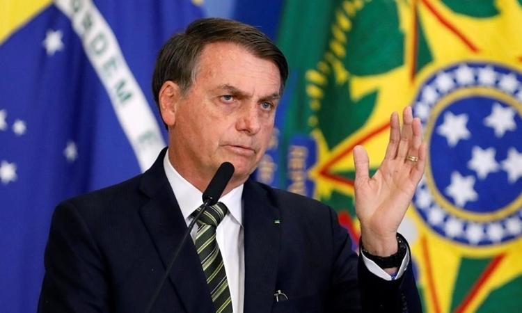 Tổng thống Brazil Jair Bolsonaro phát biểu ở Brasilia hôm 30/7. Ảnh: Reuters.