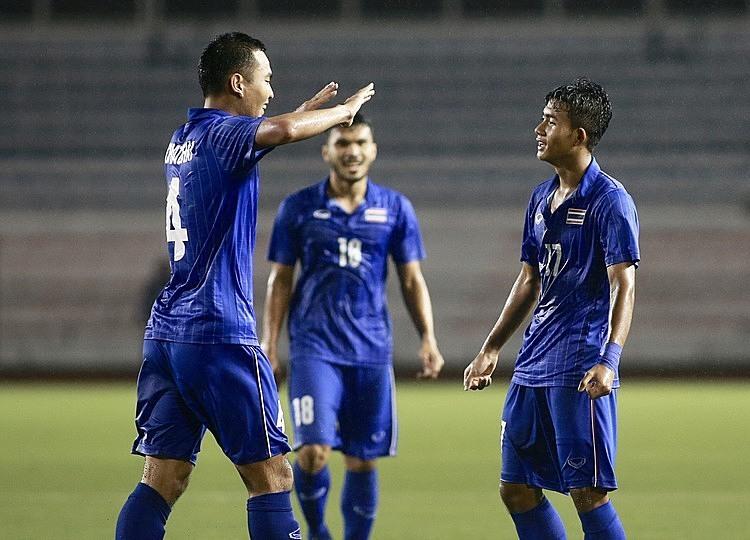 Cầu thủ Thái Lan mừng chiến thắng ở cuối trận. Ảnh: Lâm Thỏa.