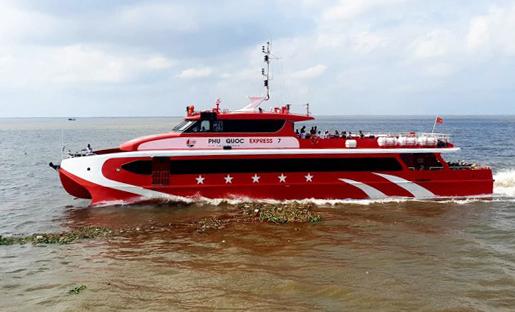 Tàu Phú Quốc Express 7 đã quay đầu hành trình để cứu người. Ảnh: Hoàng Hạnh.