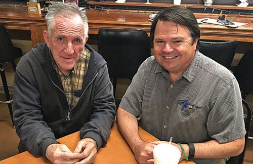Alvin và luật sư McCraken Poston. Ảnh: Catoosa News/Adam Cook.