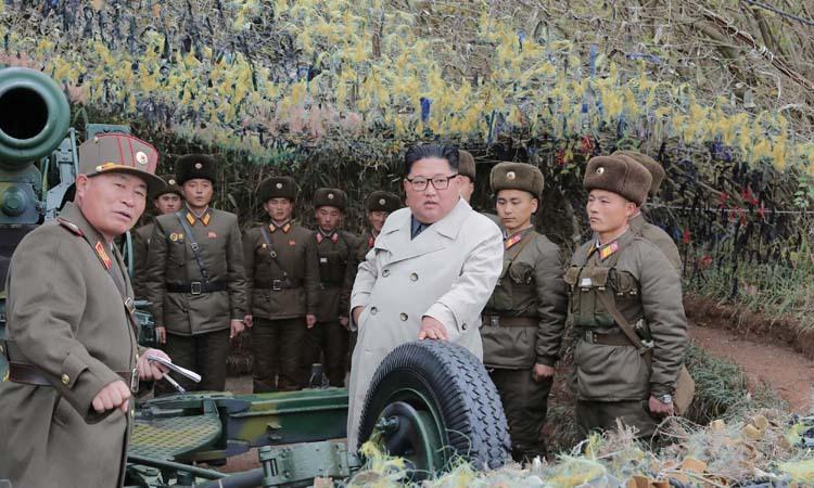 Lãnh đạo Triều Tiên Kim Jong-un tới thăm một điểm đóng quân ở phía tây đất nước tháng trước. Ảnh: KCNA.