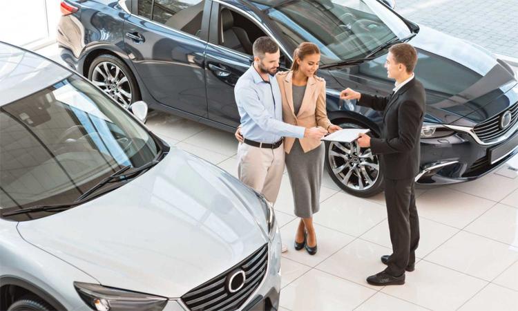Giá xe mới tại Mỹ theo chiều tăng những năm gần đây, trong khi thu nhập không thay đổi khiến một số gia đình trung lưu khó mua một chiếc ôtô mới. Ảnh: Motor1