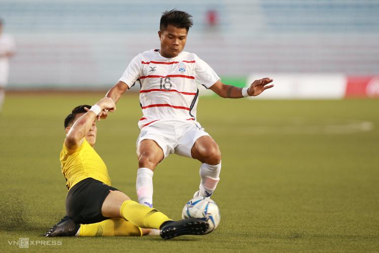 Campuchia lần đầu tiên trong lịch sử giành vé vào bán kết SEA Games.