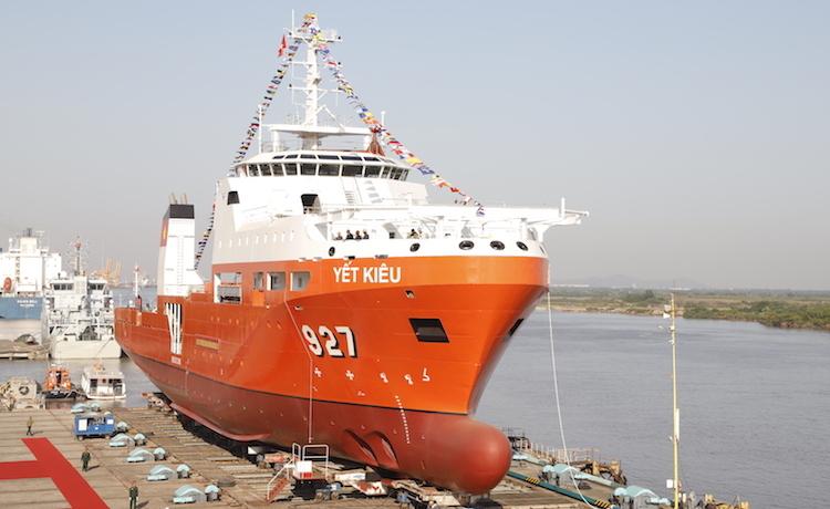 Tàu tìm kiếm, cứu nạn tàu ngầm đa năng MSSARS 9316 mang tên Yết Kiêu được hạ thuỷ tại Nhà máy 189 ngày 4/12. Ảnh: NH