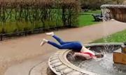 Cô gái ngã sấp mặt vì chụp ảnh nghệ thuật