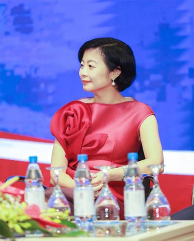 Bà Hà Ngọc Anh - Chủ tịch HĐQT AMES English