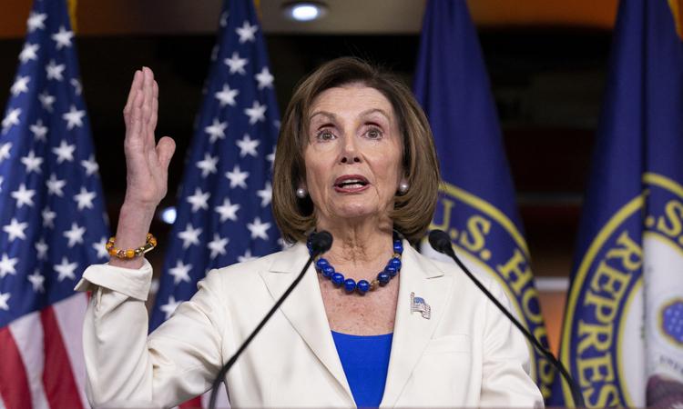 Chủ tịch Hạ viện Mỹ Nancy Pelosi tại buổi họp báo ở quốc hội hôm 21/11. Ảnh: Reuters.