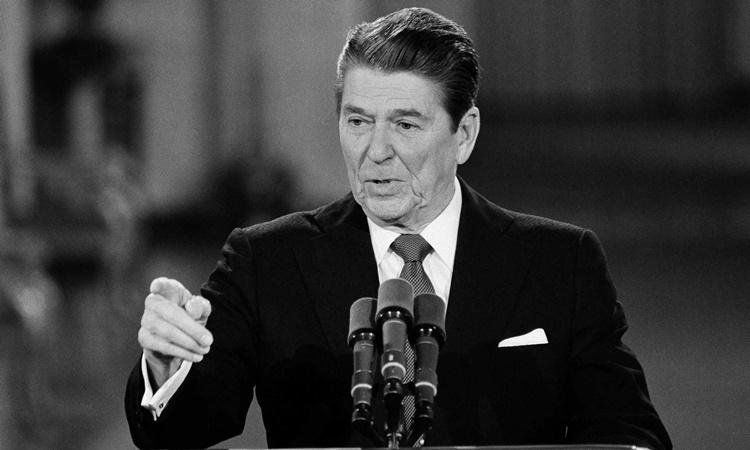 Tổng thống Mỹ Ronald Reagan phát biểu tại Nhà Trắng năm 1984. Ảnh: AP.