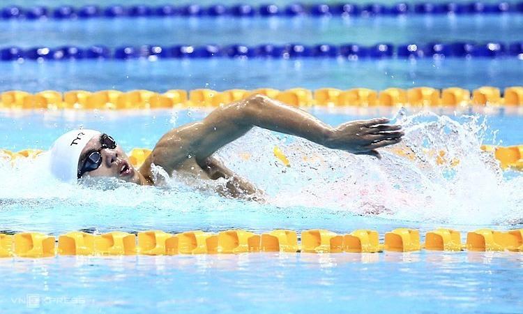 Huy Hoàng bỏ xa các đối thủ trên đường đua 1500m tại SEA Games 2019. Ảnh: Phạm Đương.