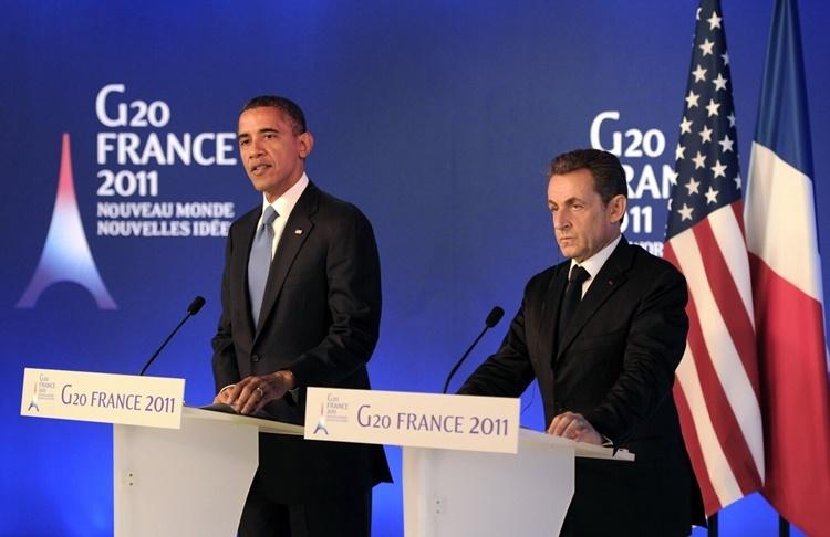 Tổng thống Mỹ Obama (trái) và người đồng cấp Pháp Sarkozy trong cuộc họp báo chung tại hội nghị thượng đỉnh G7 tháng 11/2011 ở Pháp. Ảnh: AP.