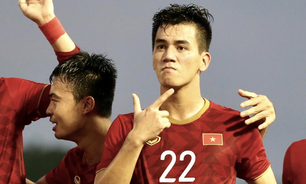 Вьетнам вошел в полуфинал по футболу в SEA Games 30