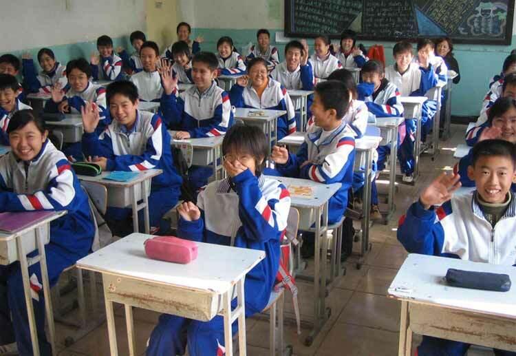 Học sinh THCS ở Trung Quốc. Ảnh: Oddizzi