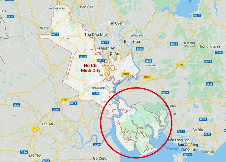 Huyện Cần Giờ (phía trong đường màu đỏ) là địa phương duy nhất của TP HCM giáp biển. Ảnh: Google maps
