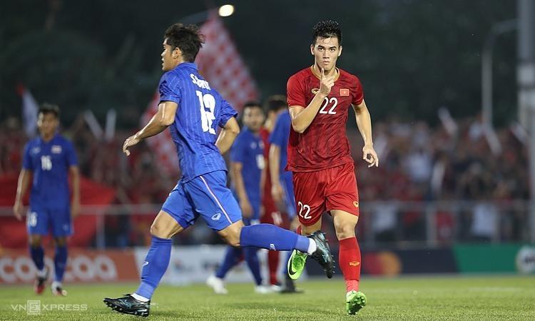 Cú đúp của Tiến Linh góp phần khiến Thái Lan bị loại khỏi vòng bảng SEA Games 30. Ảnh: Đức Đồng.