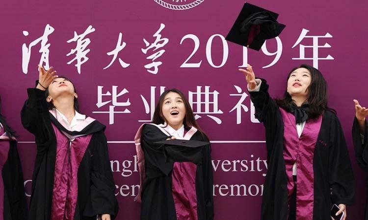 Các sinh viên