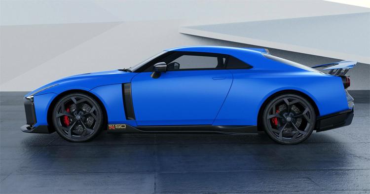 Xe trang bị động cơ 3,8 lít V6 tăng áp kép,công suất 710 mã lực và 780 Nm mô-men xoắn.