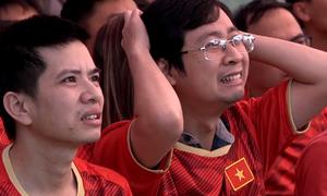 Thăng trầm cảm xúc của CĐV trận Việt Nam - Thái Lan