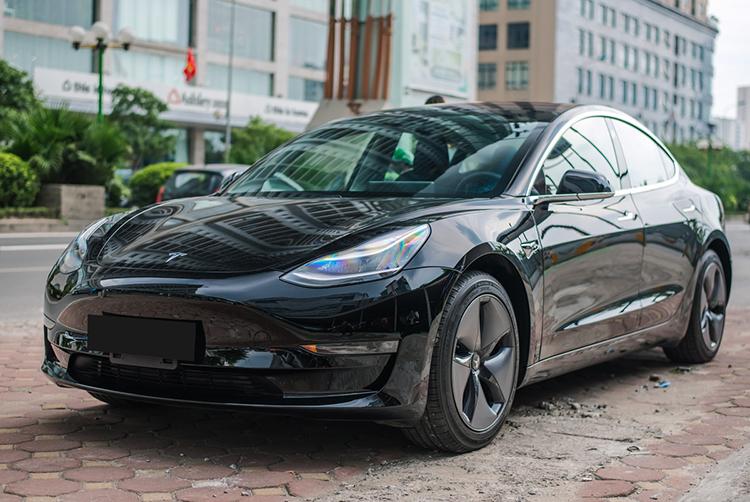 Một chiếc Tesla Model 3 ở Việt Nam. Ảnh: Minh Quân