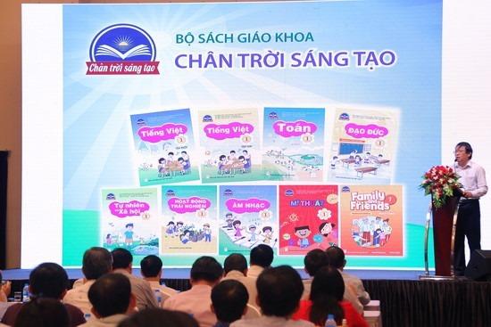 Bộ sách Chân trời sáng tạo của Nhà xuất bản Giáo dục Việt Nam được ra mắt hồi cuối tháng 10. Ảnh: Báo Giáo dục và Thời đại.