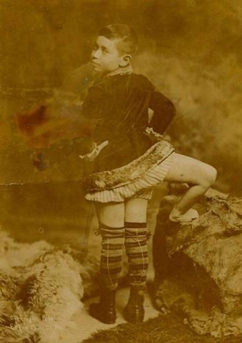 Frank Lentini khi còn nhỏ. Ảnh: Edena.