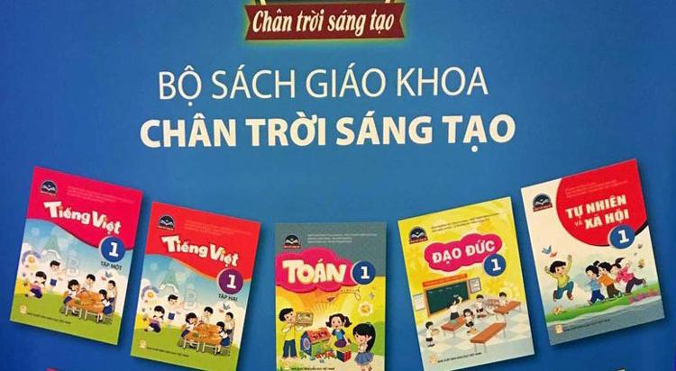 Bộ sách Chân trời sáng tạo trong ngày ra mắt tại TP HCM cuối tháng 10. Ảnh: Báo Sài Gòn Giải Phóng.