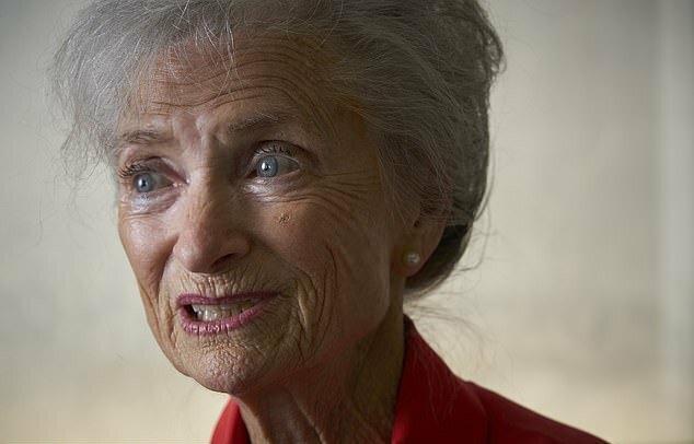 Cựu nữ tiếp viên hành không Ida Gomez Llanos của hãng Delta. Ảnh: DailyMail.