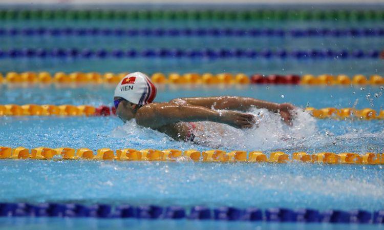 Ánh Viên trên đường bơi 400 mét hỗn hợp. Ảnh: Quang Huy.