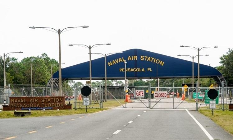 Căn cứ không quân hải quân Pensacola thuộc bang Florida đóng cửa hôm 6/12 sau vụ xả súng. Ảnh: AFP.