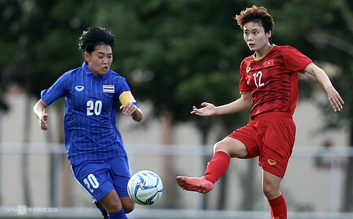 Việt Nam (áo đỏ) muốn bảo vệ ngôi hậu SEA Games phải vượt qua thử thách lớn mang tên Thái Lan. Ảnh:Đức Đồng.