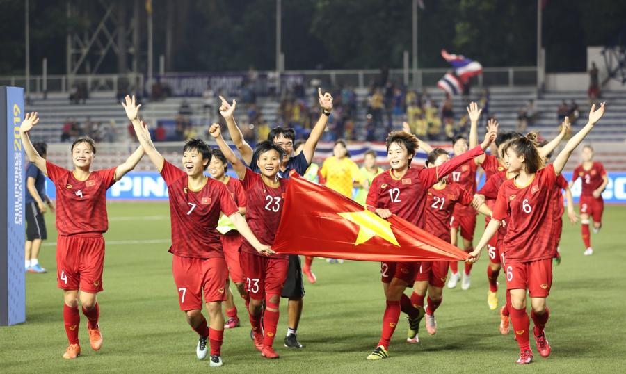 Nữ Việt Nam mừng chiến tích lịch sử SEA Games