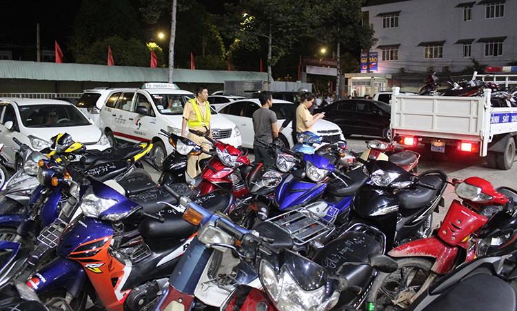 200 xe máy gây rối đi bão sau khi U22 Việt Nam bị bắt