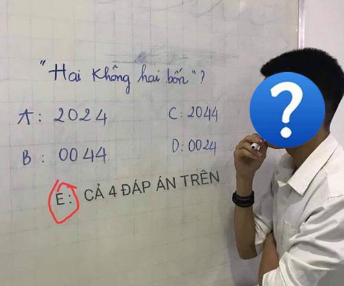 Một người gợi ý là thêm đáp án E với lựa chọn cả 4 đáp án trên.