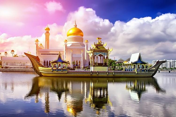Thánh đường Hồi giáoOmar Ali Saifuddien ở Bandar Seri Begawan. Ảnh:Shutterstock