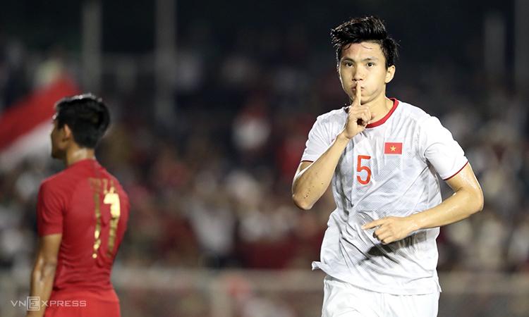 После 60 лет ожидания, футбольная команда Вьетнама выиграла золотую медаль в SEA Games