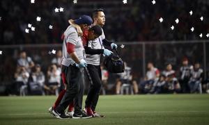 Văn Hậu xin lỗi Evan Dimas sau trận vô địch