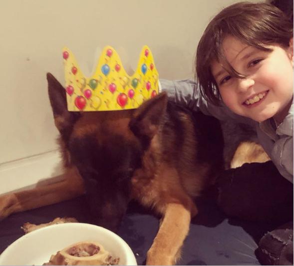 Laurent Simons và chó cưng. Ảnh: Instagram/Laurent Simons