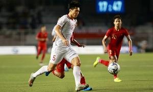 'Đoàn Văn Hậu chơi bóng như Ramos'