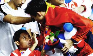 Văn Hậu xin lỗi Evan Dimas Sea Games 2019 - VnExpress