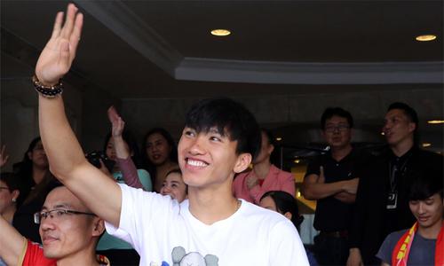 Đoàn Văn Hậu và đồng đội chia tay nhau ở Philippines
