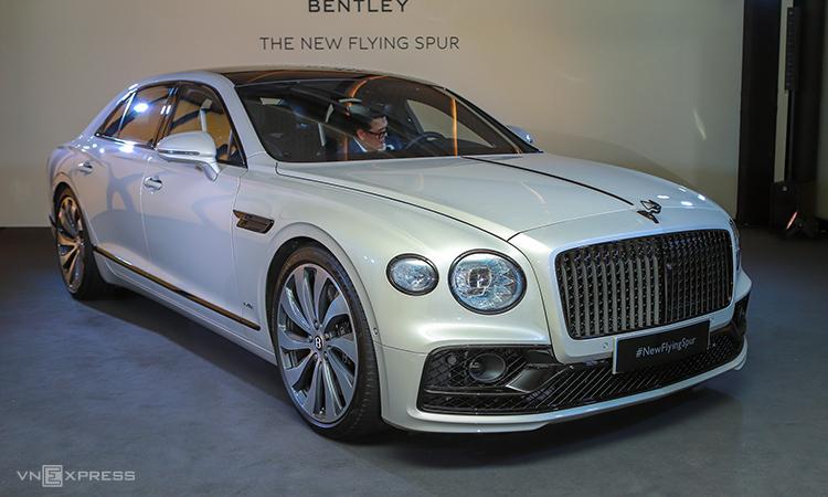 Bentley Flying Spur thế hệ mới giới thiệu tại Singapore hôm 10/12. Ảnh: Lương Dũng.