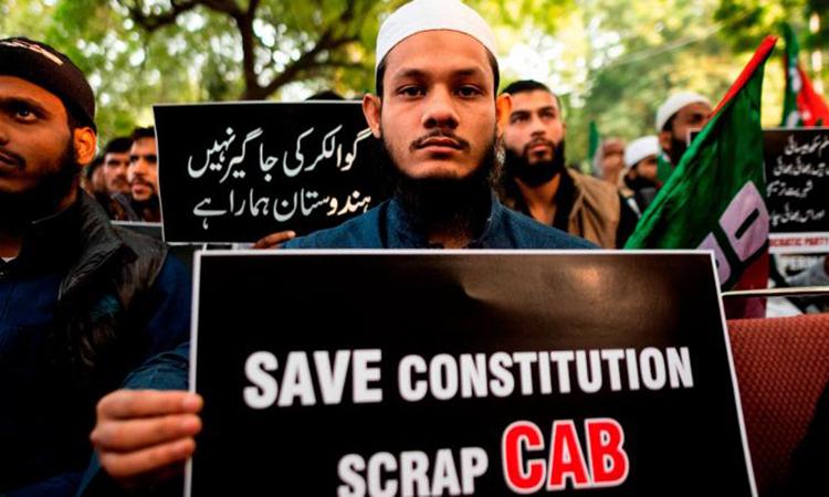 Người Hồi giáo biểu tình pahrn đối Dự luật Sửa đổi Quyền Công dân ở New Delhi hôm 10/12. Ảnh: AFP.