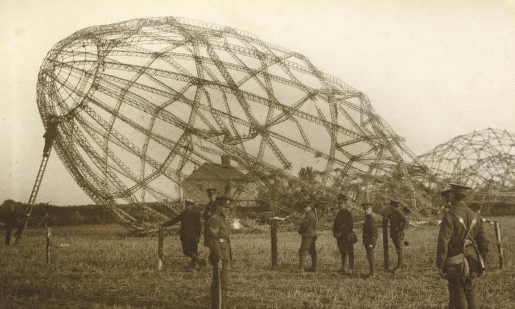 Xác khí cầu bị quân Anh bắn hạ năm 1916. Ảnh: Wikipedia.