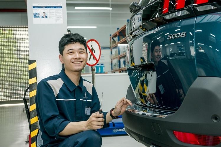 Peugeot Việt Nam có đội ngũ kỹ thuật viên lành nghề, tận tâm.