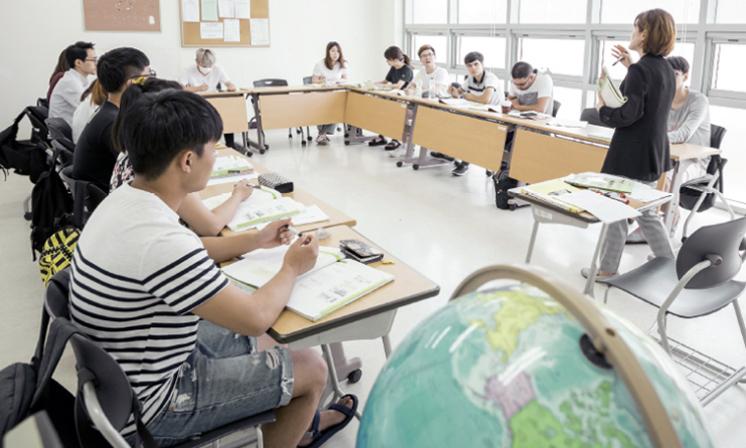 Một lớp học trong trường Đại học Incheon. Ảnh: INU