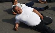Cảnh sát béo chật vật giảm cân