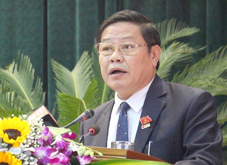 Ông Nguyễn Trí Lạc trong phiên chất vấn sáng 15/12. Ảnh: Đức Hùng