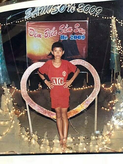 Bức ảnh Văn Hậu chụp vào năm 2009, khi đó anh chỉ mới 10 tuổi.