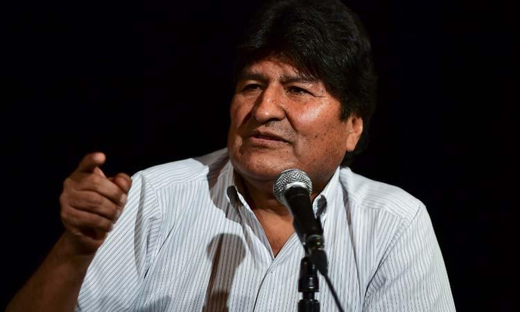 Cựu tổng thống Bolivia Evo Morales trong cuộc họp báo ở Buenos Aires, Argentina hôm 17/12. Ảnh: AFP.