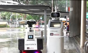 Robot tuần tra tại ga tàu điện ngầm
