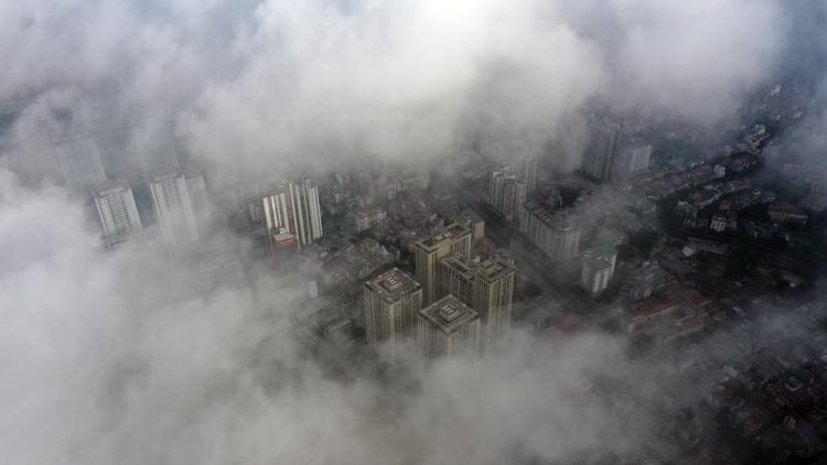 Mây mù lúc 8h ngày 18/12 tại khu vực quận Nam Từ Liêm. Ảnh: Ngọc Thành.